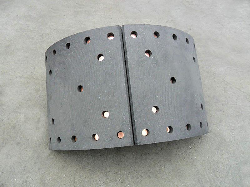 Колодка тормозная задняя (30 отверстий) (белая кабина) 3502zs10-101 dongfeng